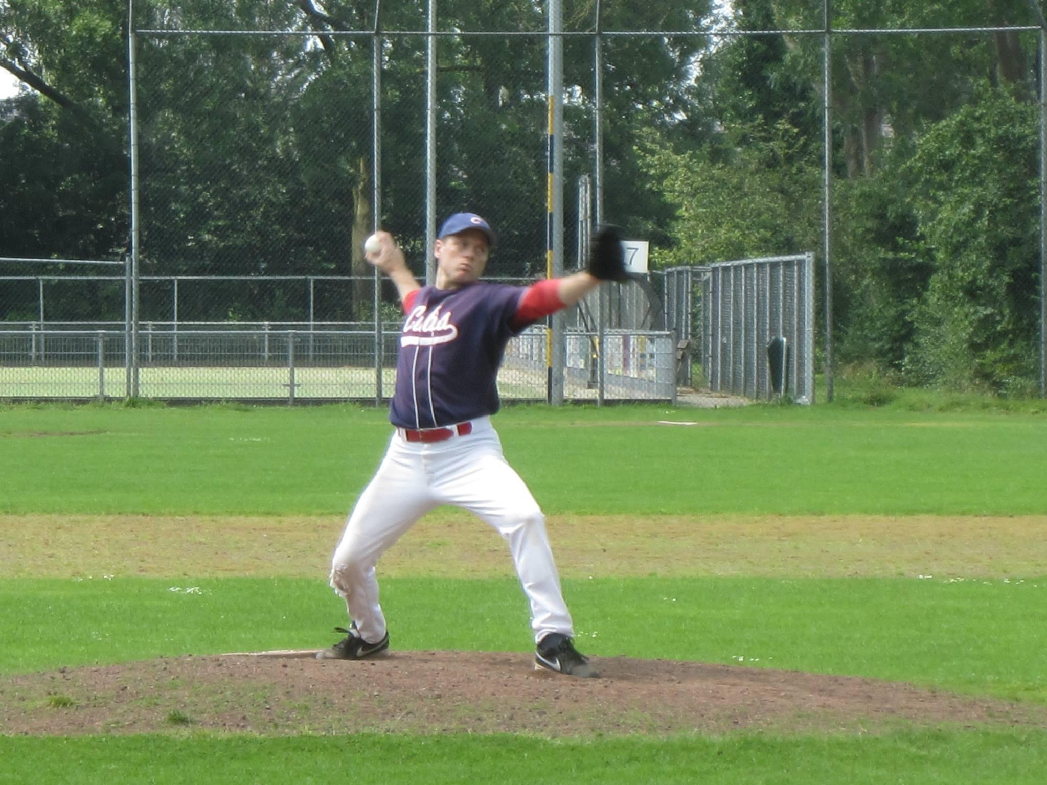 Honkbal Hardenberg Pitcher Arne Hoek in actie tegen Northern stars
